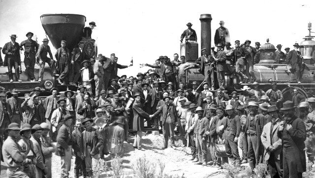 Image for Builders of the Transcontinental Railroad: Traversing China and America