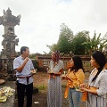Image for Study abroad students in Bali engage with new sights and experiences
