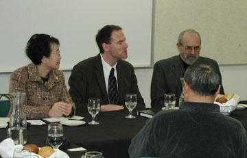 Shanghai Delegation Arrives for Seminar on US-China Relations