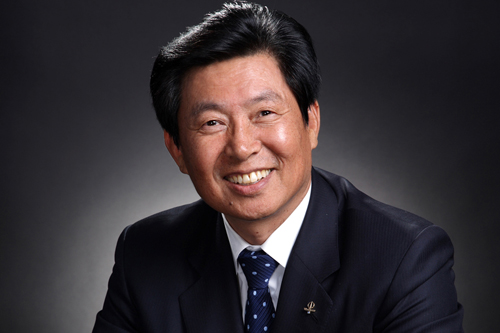 Leading Chinese captain of industry to speak at Korn Convocation Hall