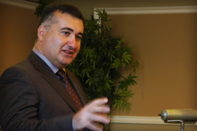 Diplomat Concludes K-12 Training With Talk on Caspian Region